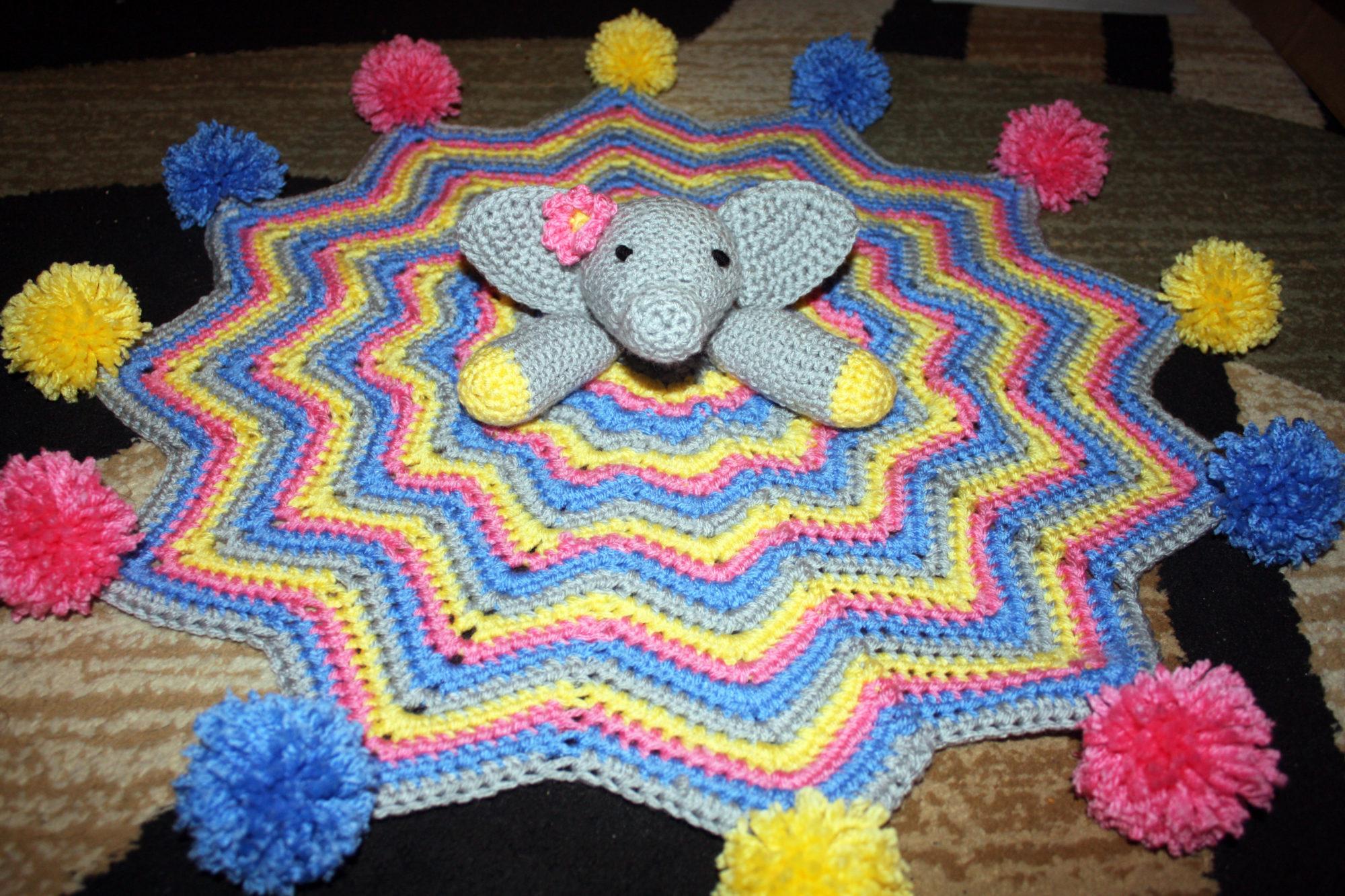Velvet elephant hexi doll | Crochet lovey free pattern, Crochet ... | 1333x2000