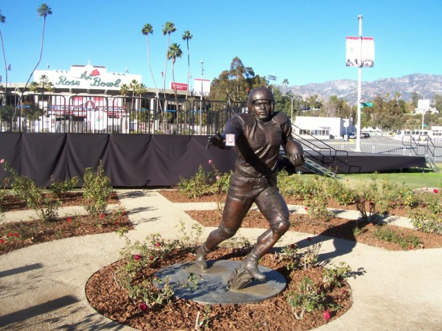 Jackie Robinson statue at the Rose Bowl
