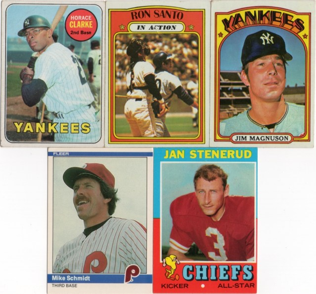 A 1969 Topps #87, 1972 Topps #556, #597, 1984 Fleer #48 and a 1971 Topps Football #61
