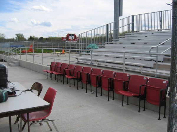 stadiumseating.net: Pictures and Customer List