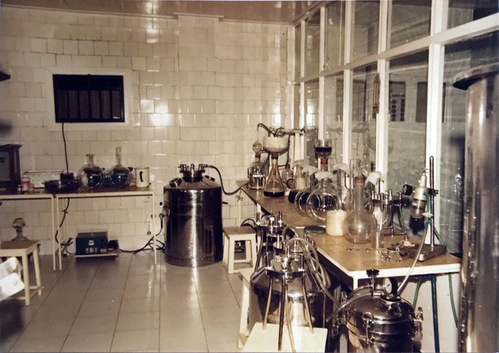 Stadmed's prepartion room used to manufacture injectables from the 1950's.