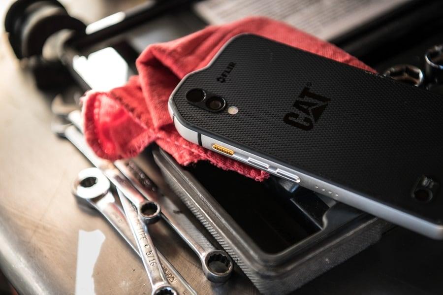Laser Entfernungsmesser Handgepäck : Cat s61: smartphone mit flir wärmebildkamera für professionelle anwender