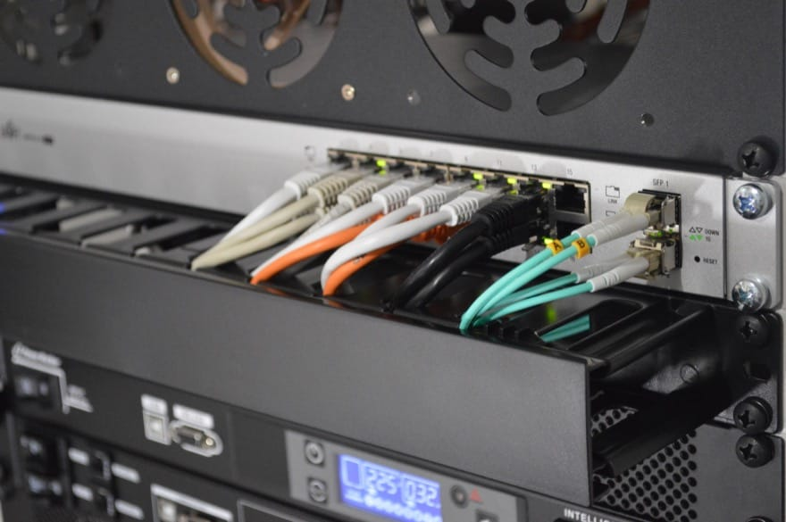 Sky, Netflix, HBO Max: Europol schließt Netzwerk illegaler Streaming-Seiten