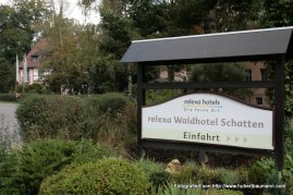 Relexa Waldhotel Schatten Willkommen