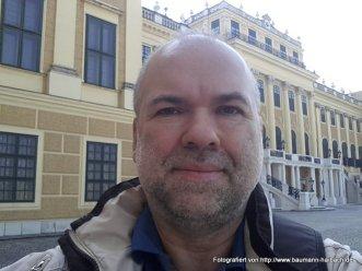 Hubert Baumann - am Schloss Schönbrunn / Wien