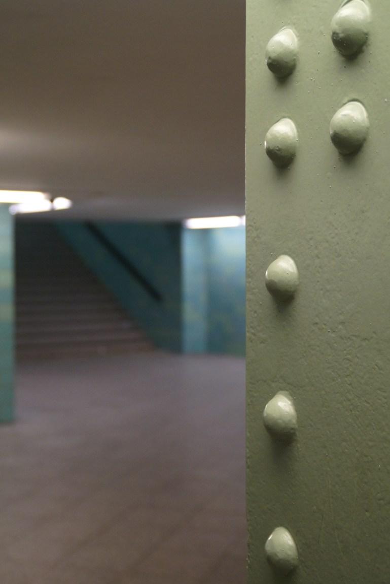 bis zur nächsten treppe und verschwand