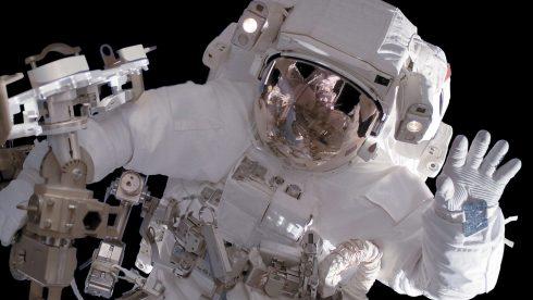 Astronaut (DLR CC-BY 3.0)