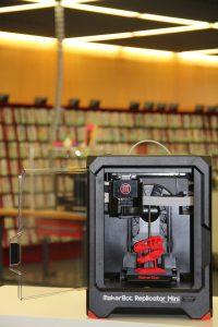 """Akteur im Workshop """"Führerschein 3D-Druck"""": Replicator Mini"""