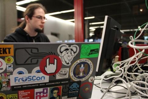 Mit dabei: Die Freifunker inklusive Router. http://freifunk.net/