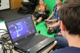 Aufnahmesituation: Green Screen, Mikrofon, Kamera und Laptop zur Speicherung des Materials