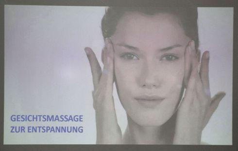 Anleitung zur Gesichtsmassage ©Stadtbibliothek Köln.