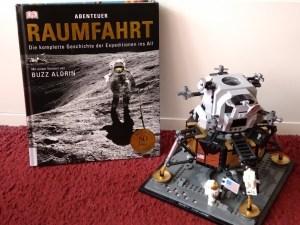 Raumfahrt Buch und Bausteine
