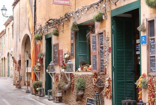 Mediterrane Geschäfte