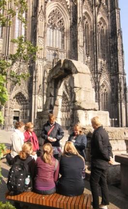 Römerbogen vor dem Kölner Dom