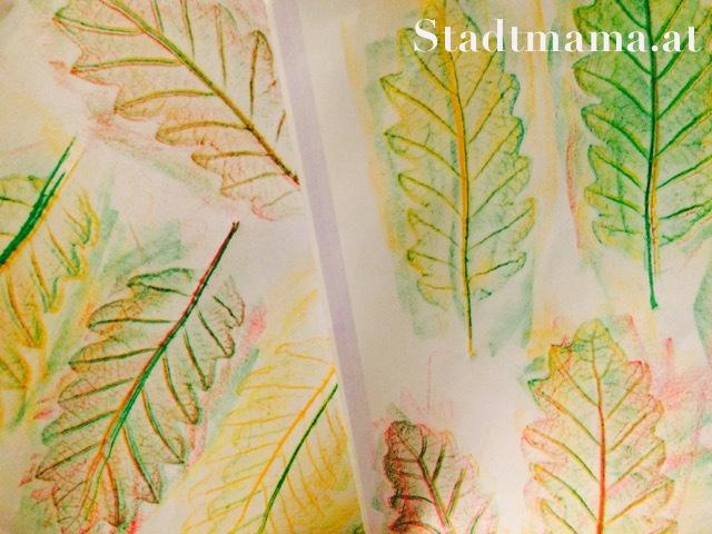 Basteln mit Kind Herbstblätter Herbstbaum