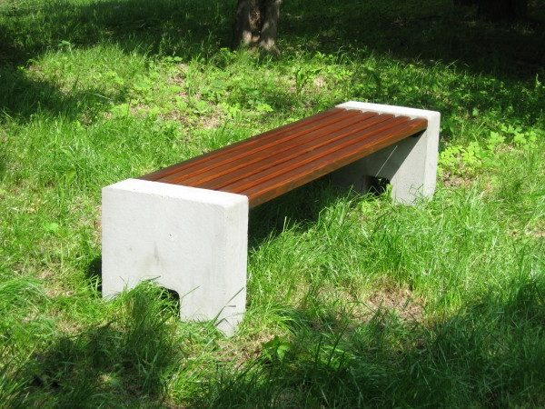 Sitzbank aus Beton L-89