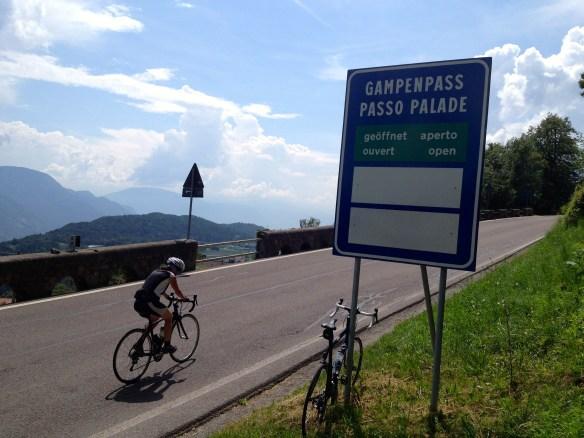 Auffahrt zum Gampenpass, Südtirol     Foto: Link