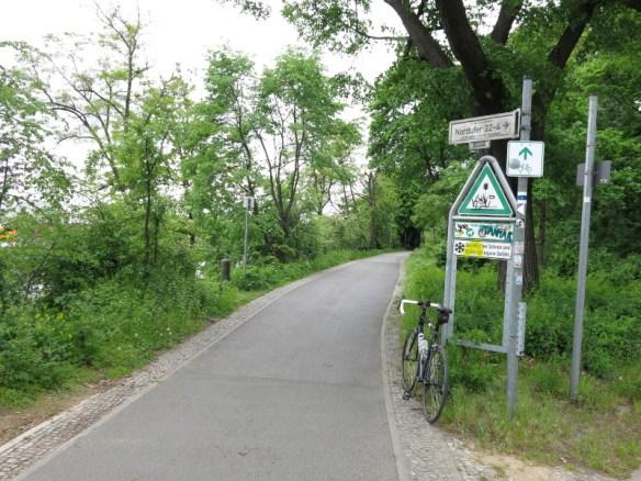 Radtour am Berlin-Spandauer Schifffahrtskanal