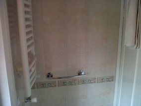 Grout Colouring Bathroom Before