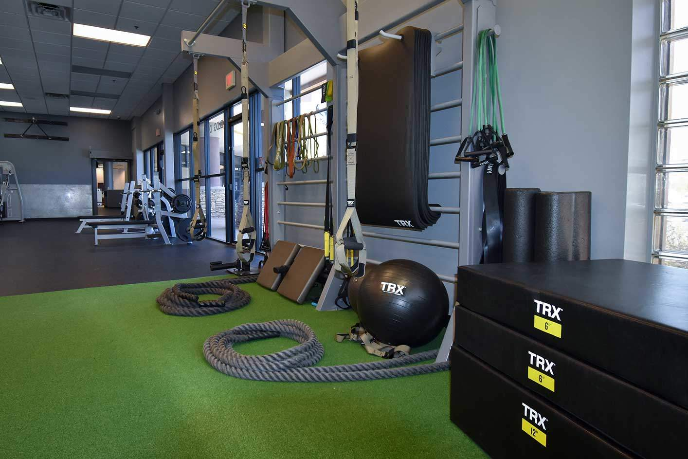 personal training area ropes & trx system