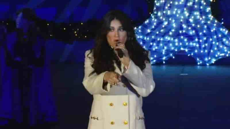Idina Menzel Show Yourself Frozen 2 live