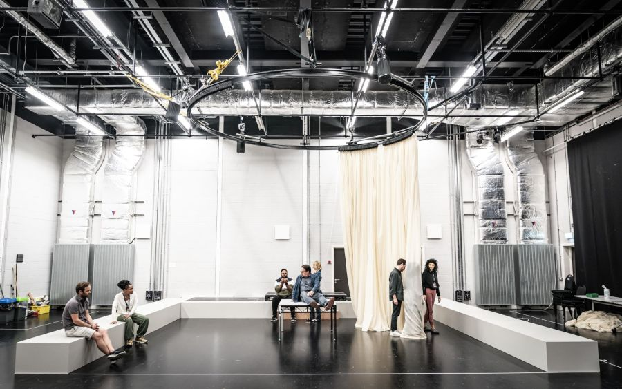 003 The cast of Cat on a Hot Tin Roof rehearsals. Photo by Marc Brenner