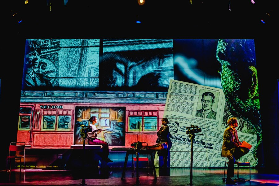 Riana Duce, Adela Rajnovic & Matt Prendergast - imitating the dog & Leeds Playhouse - Dracula The UntoId Story - Photo Ed Waring
