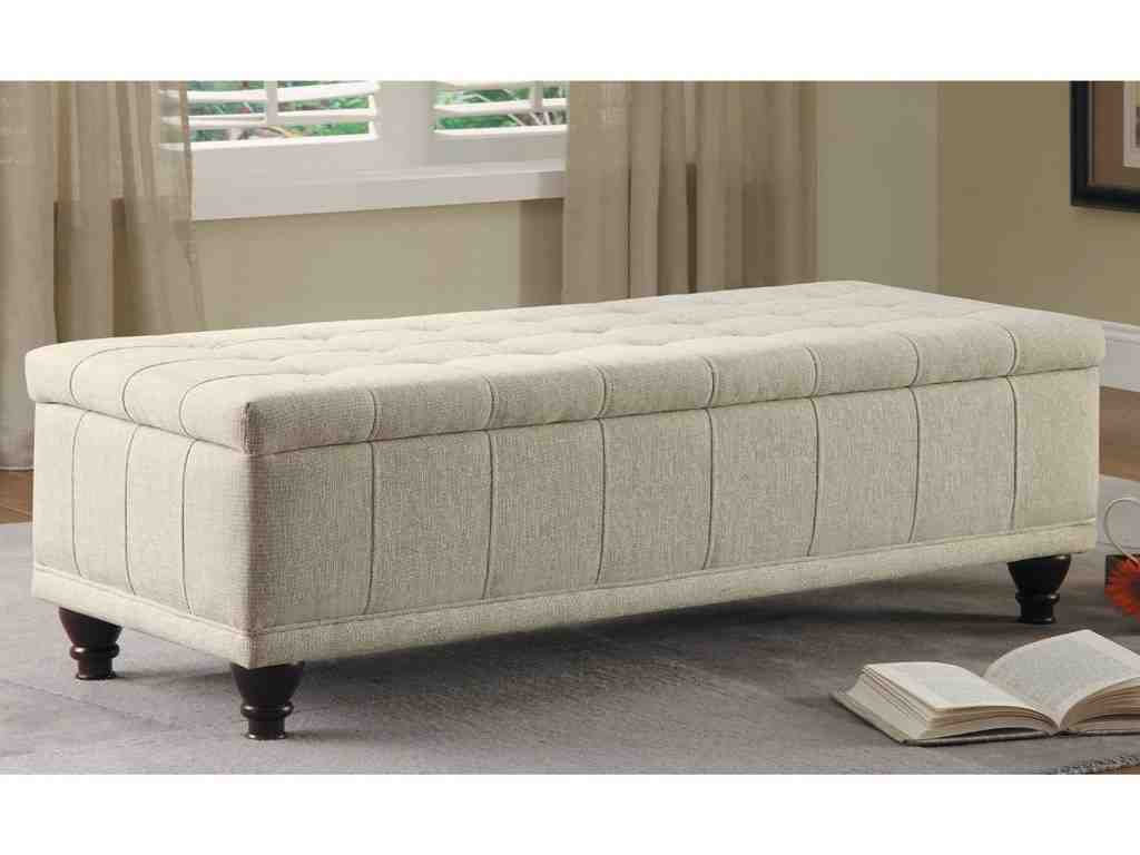 Bedroom Storage Bench: Why Buy For Your Master Bedroom