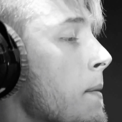 Video: Machine Gun Kelly - Fire In The Booth (Live on 1Xtra)