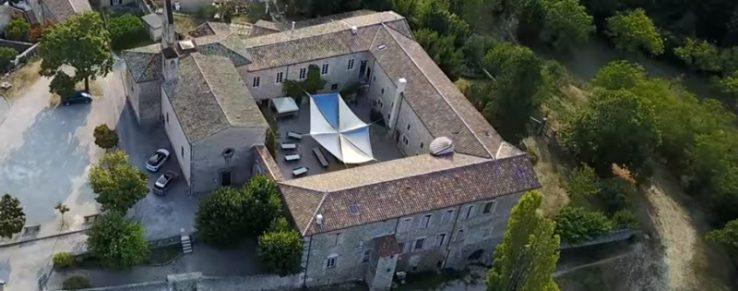 vue aérienne monastère saint croix