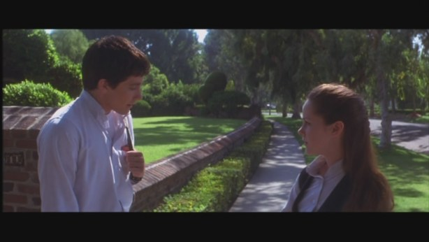 Donnie & Gretchen catch up on the school gossip.
