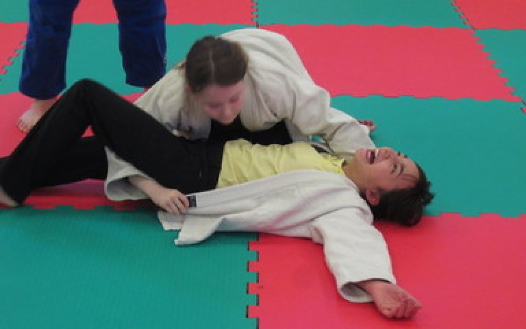 Year 6 try Judo