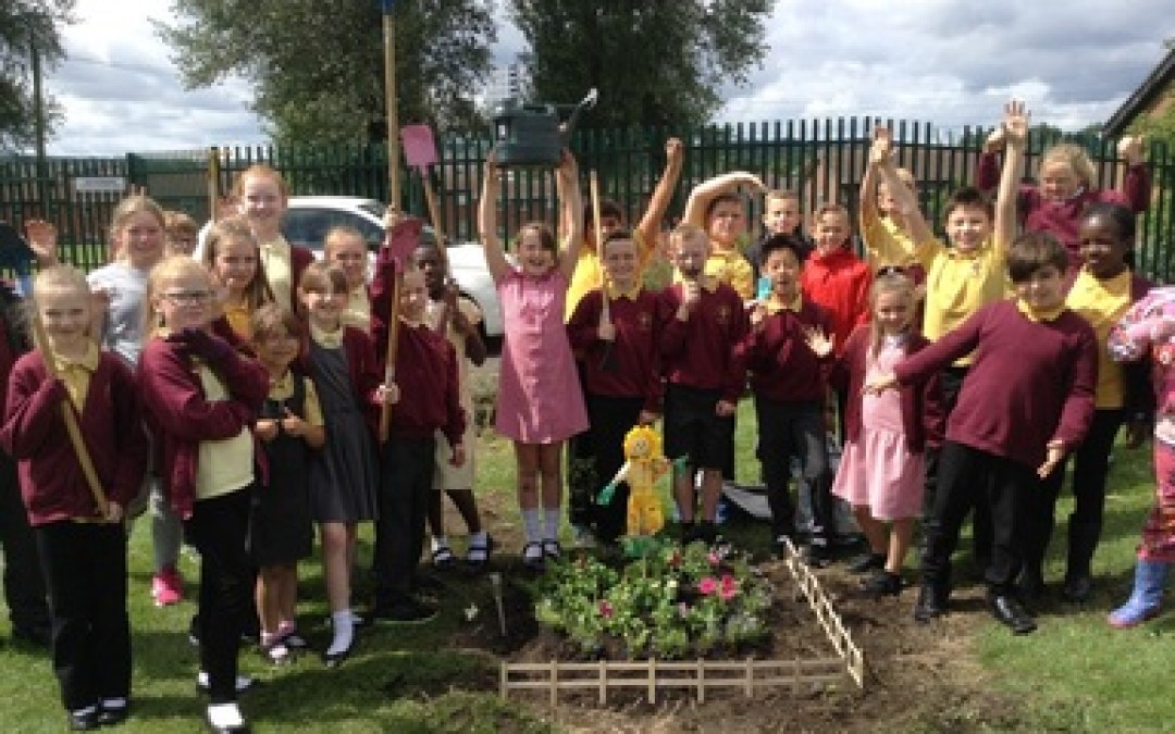 Year 5's morning in the garden.