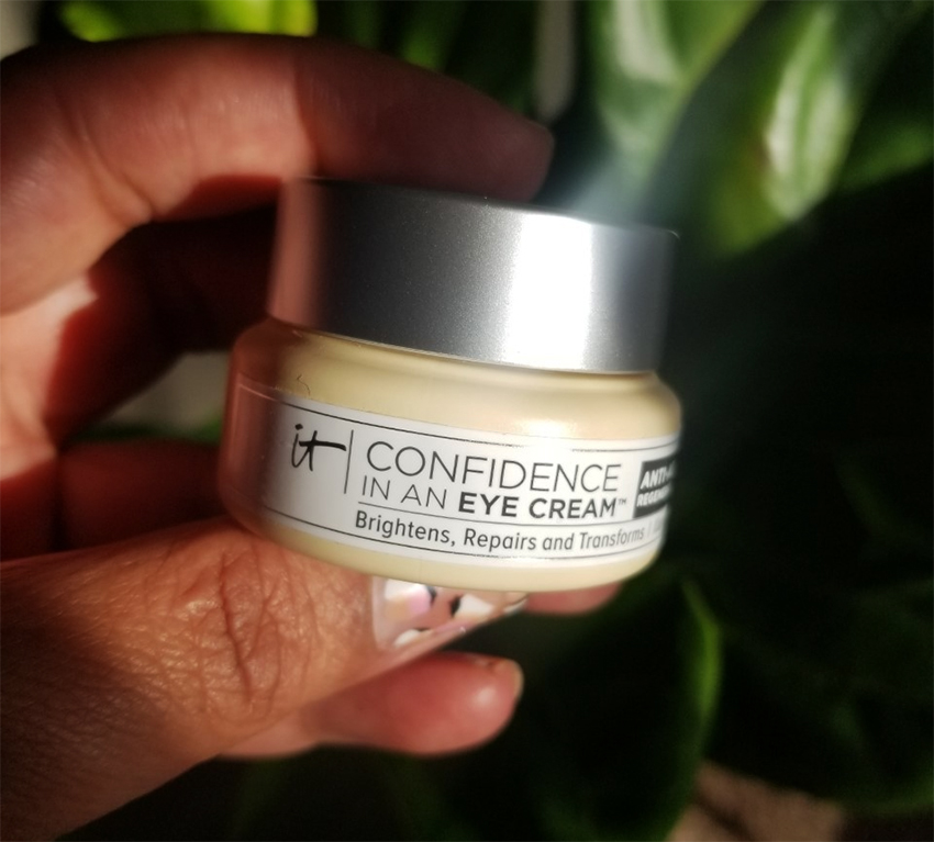 ITEM OF THE WEEK: Hydrating Eye Cream from IT Cosmetics | STAINED COUTURE