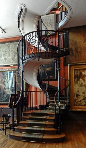 outside-spiral-staircase