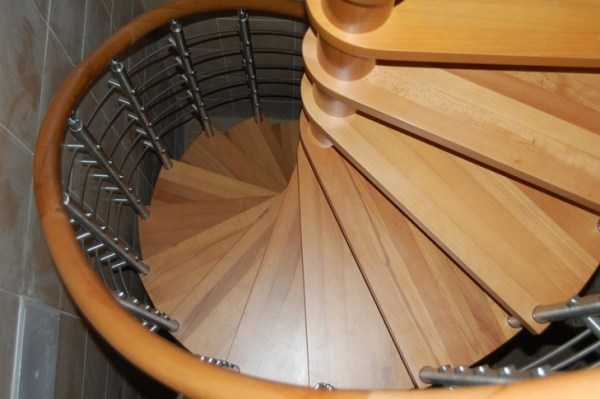 Features of design of spiral staircases