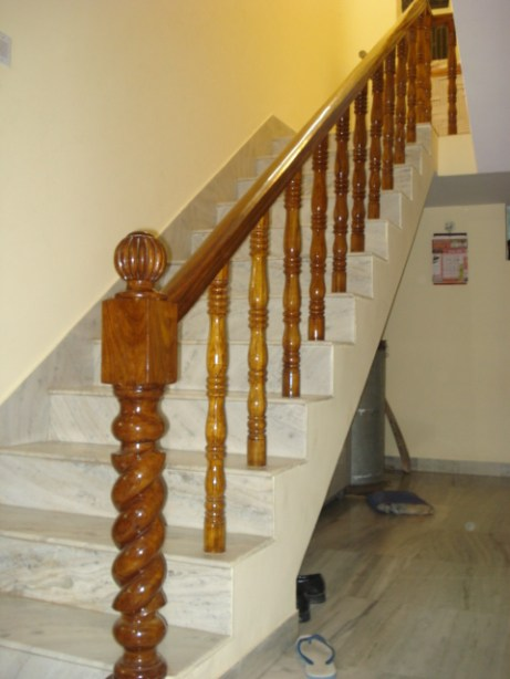 favorite wooden staircase railing_11