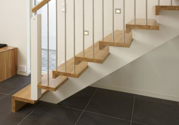 simple wooden stairs images_57