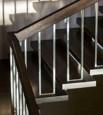chrome railings stairs_23