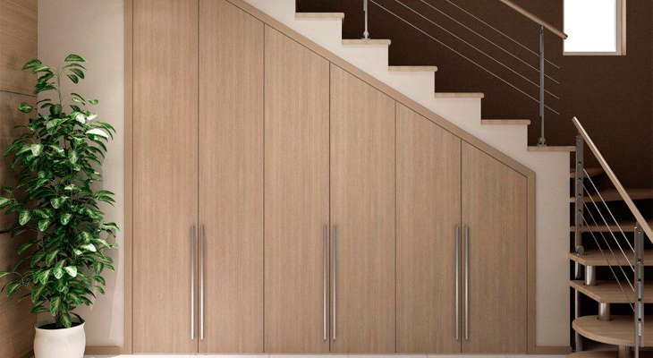 Interesting design solutions for the decoration of space under the stairs