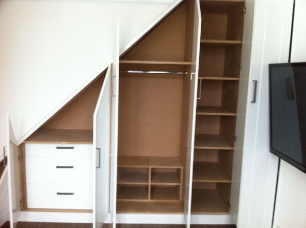 wardrobe below stairs_2