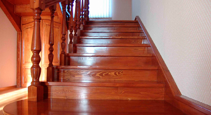 Staircase in the house: from the design to the end