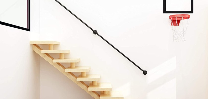 Wall staircase