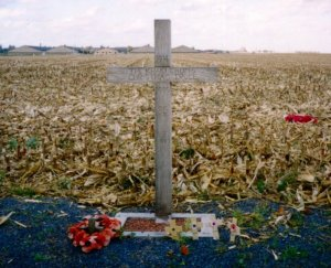 738px-Khaki-chums-xmas-truce-1914-1999.redvers