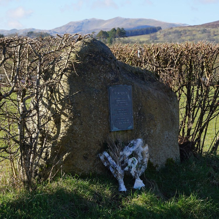 Memorial_stone_and_plaque_at_Frongoch