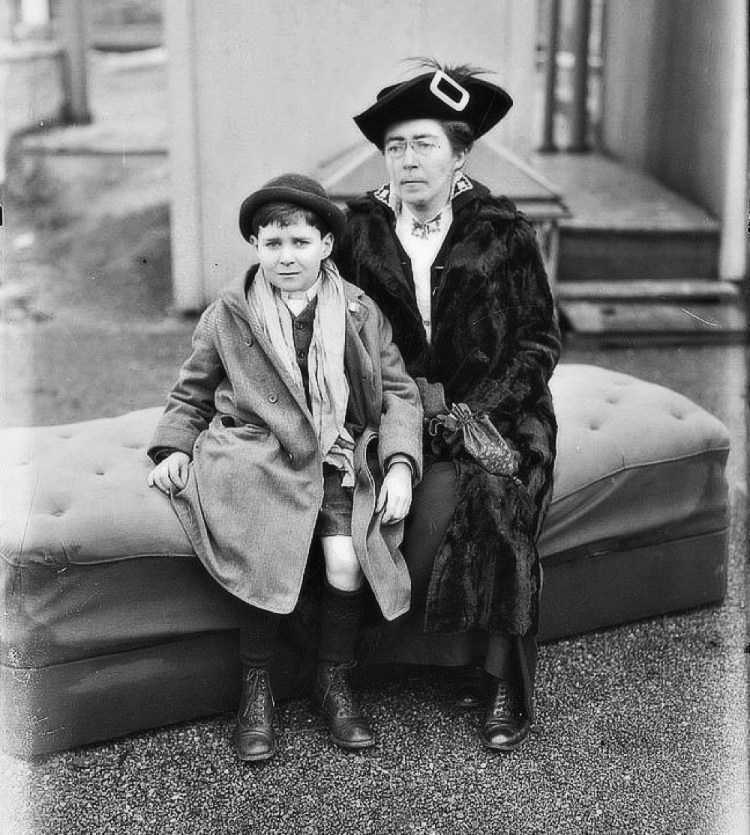 Hanna Sheehy Skeffington with her son Owen