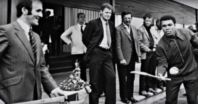 #OTD in 1972 – The Irish Tourist Board pulls off a major coup getting Boxing Legend Muhammad Ali to promote Ireland.