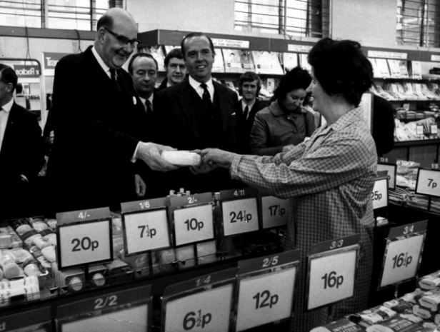 #OTD in 1971 – Variously known as Decimal Day, Decimalisation Day and D-Day, the United Kingdom and the Republic of Ireland decimalised their currencies.