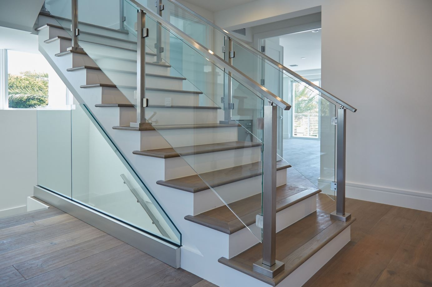 Modern Railing Systems In Wood Cable Wire Stainless Steel Glass | Modern Wood Staircase Railing | Residential | Interior | Floor To Ceiling | Ultra Modern | Traditional Wood Stair