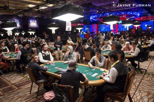 Tournament - วิธีเล่น Poker